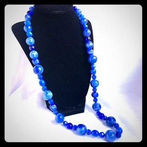 Lovely VTG Lucite Shades of Blue Long Necklace